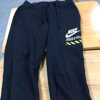 Nike TRACK&FLELD。縮口棉褲 新年到了 來件好褲吧!