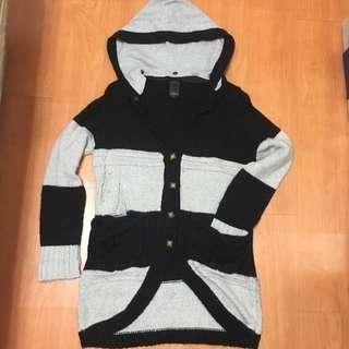 Gozo 黑灰條紋破壞針織毛衣外套