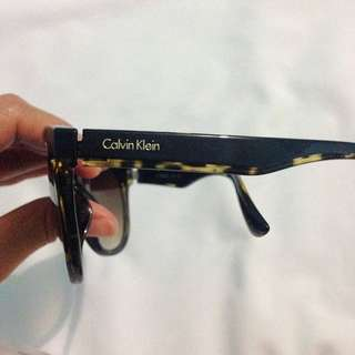 Auth Calvin klein sunglass (Not Available)