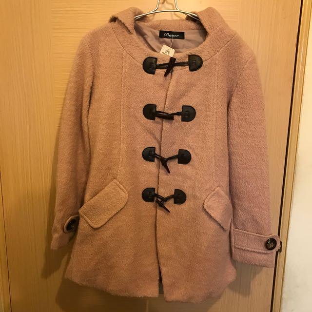 全新日本品牌牛角釦粉色大衣