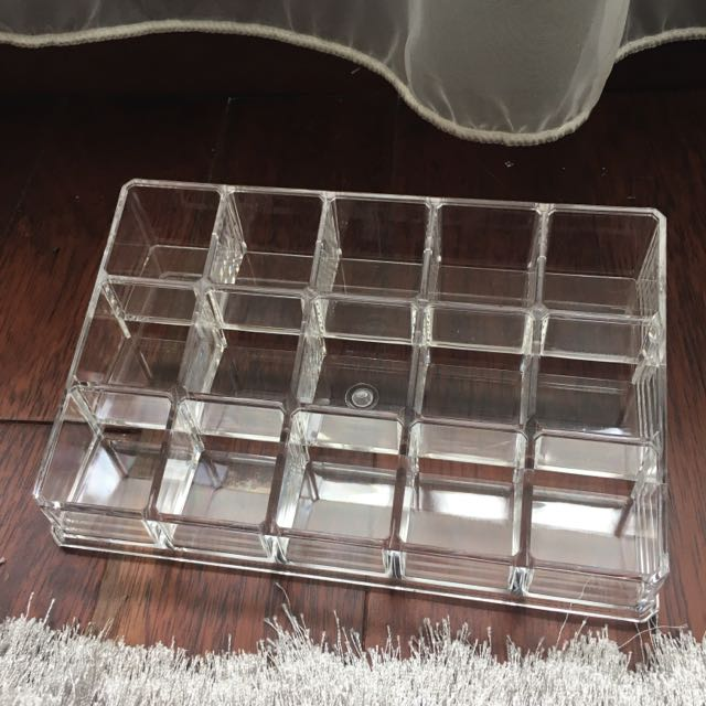 ACRYLIC holder for 15 nail polishes