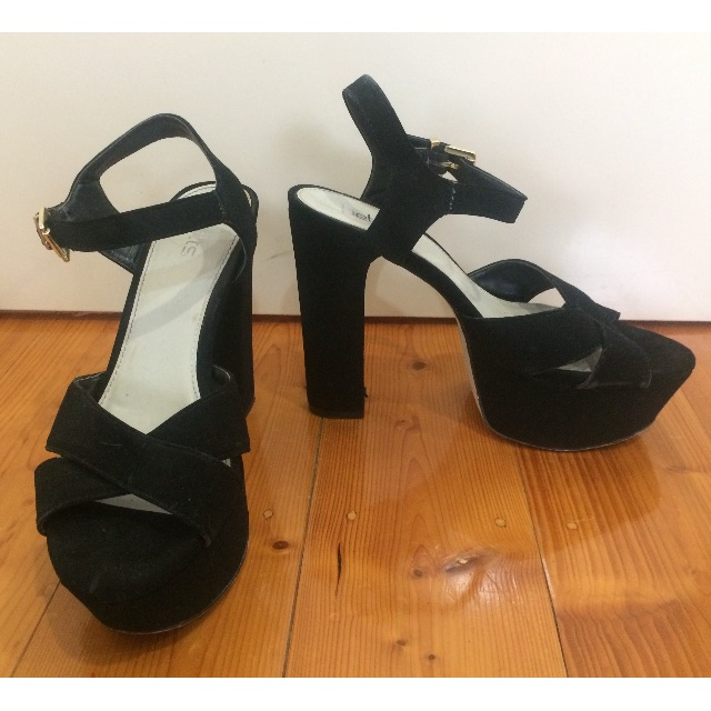 betts black strappy thick heels