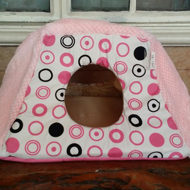 Dog House / Pet Bed