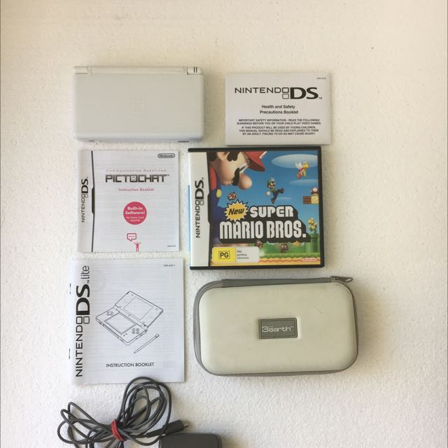 Ds lite. Charger. New Super Mario Bros. Case