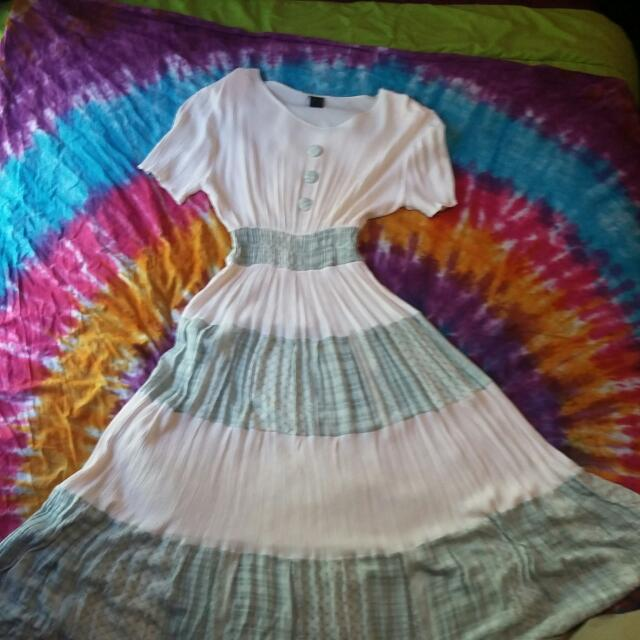 Gorgeous Vintage Bohemian Style Maxi Dress