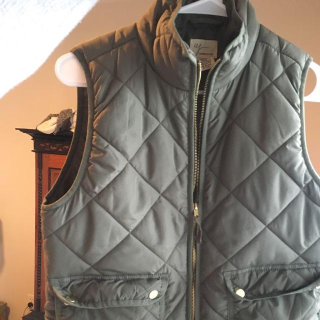 Khaki women's  zip up puff vest