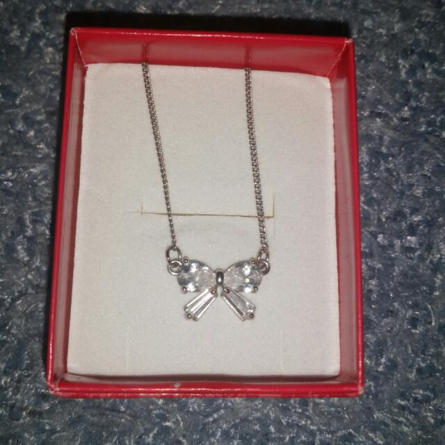 Lovisa Bow Necklace