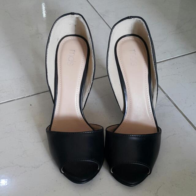 MDS Peep Toe Black Shoes