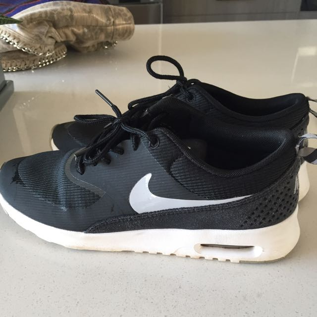 Nike Air Max Thea 7.5