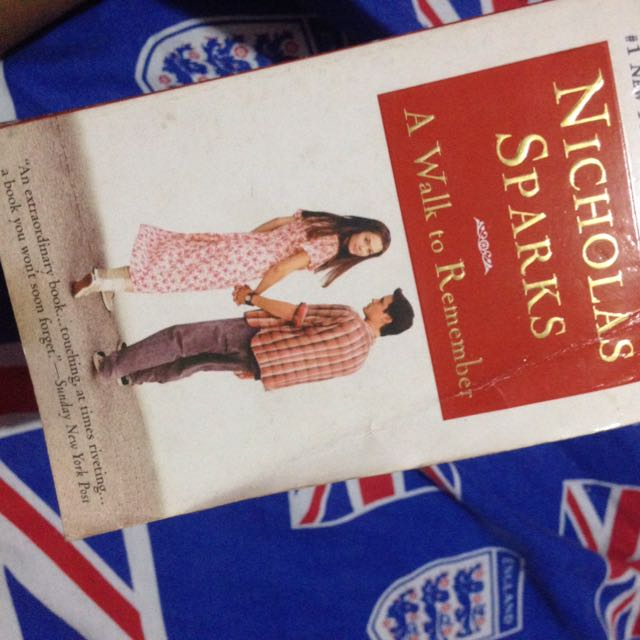 Novel A Walk To Remember