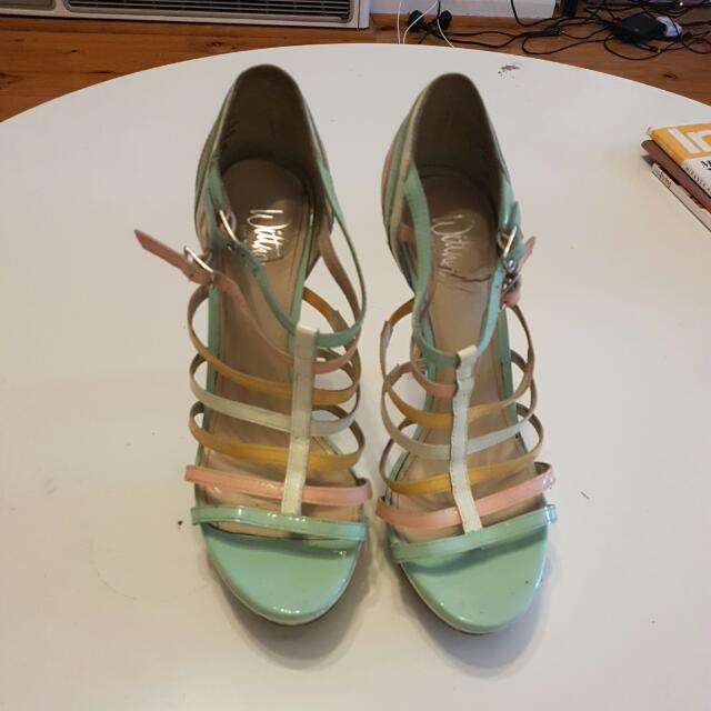 Pastel Colours Wittners Size 36