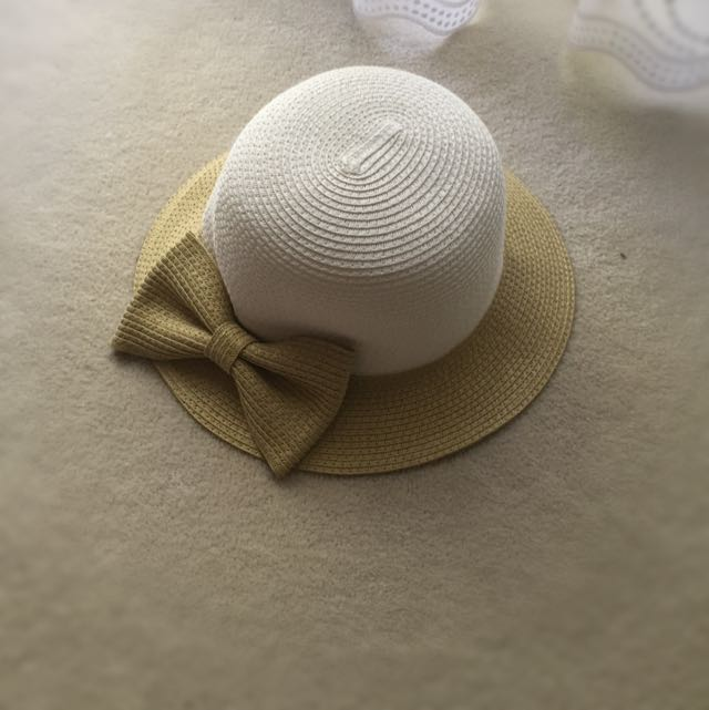 Pretty Sun Hat With Bow
