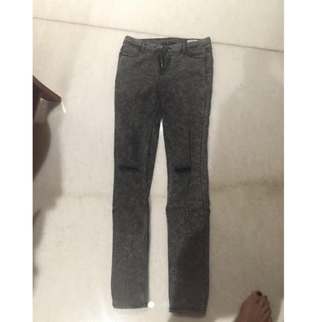 SALE! Zara Ripped Jegging