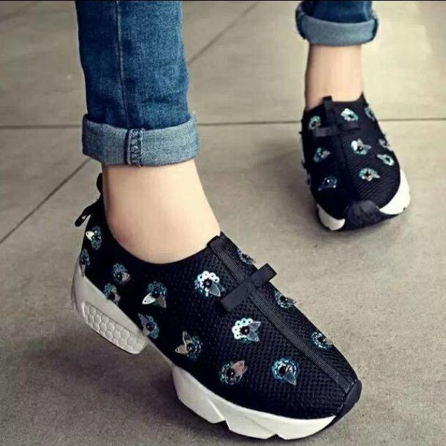 Sepatu Dior Black N White