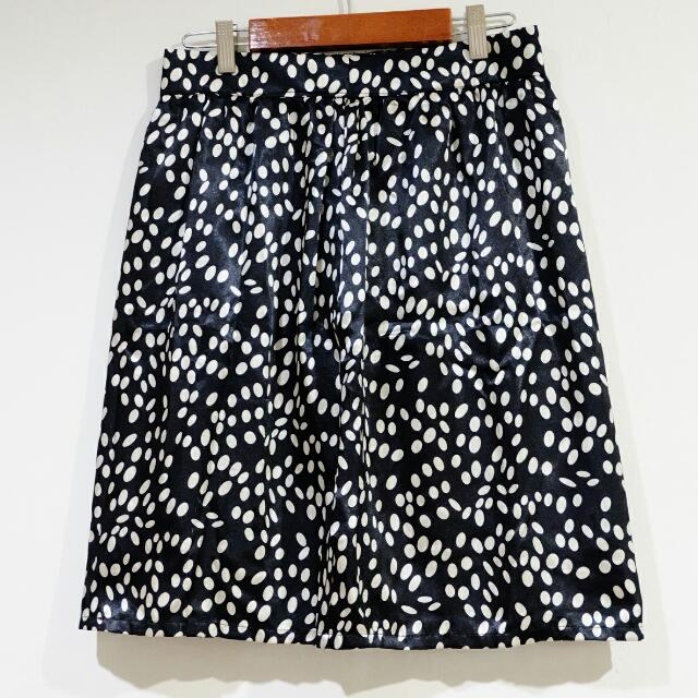 SIMPLICITY Skirt Black and White