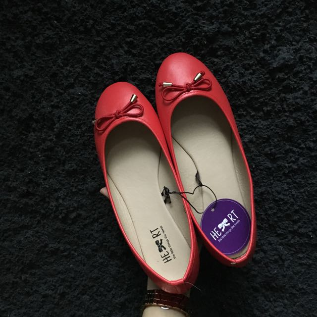 The Little Things She Needs Flatshoes