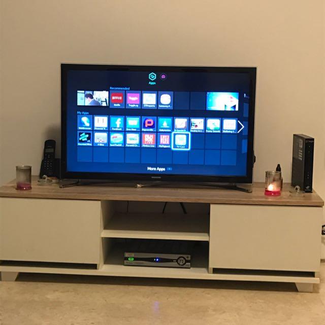 TV Consol