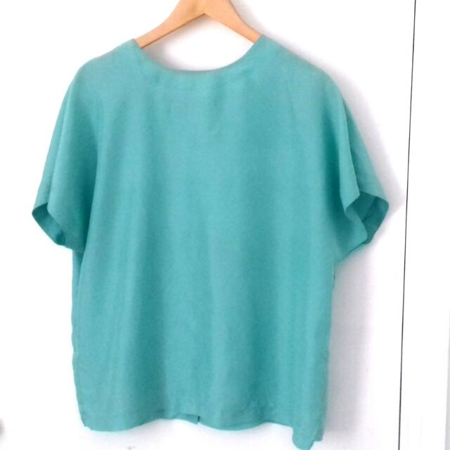 VINTAGE Silk Mint Round Neck Top Size 44