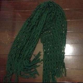 深綠色圍披巾