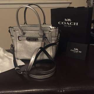 COACH SWAGGER 21 BAG 100% AUTHENTIC