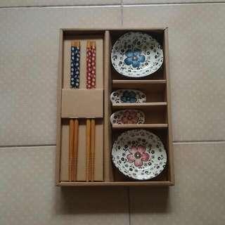 Chopsticks & Sauces Set