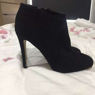 Betts For Her Black Heels Size 9