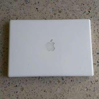 Macbook (2009 Model)
