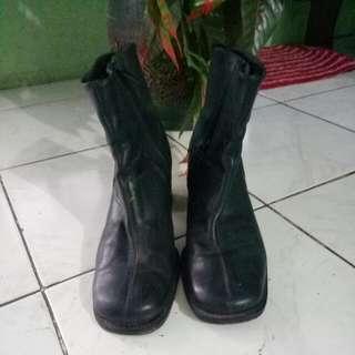 Sepatu Boots Rotteli