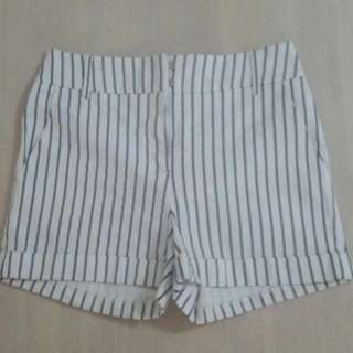 Striped Shorts Sz8
