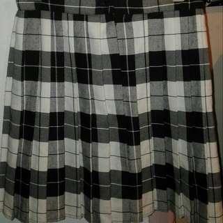Black & White Pleated Tartan Skirt Size S 12