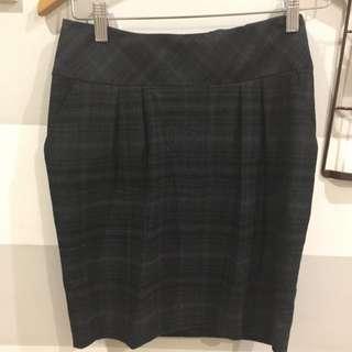 Dorothy Perkins short plaid skirt