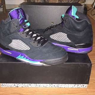 Dead Stock Retro Jordan 5's Grape Black Size 12