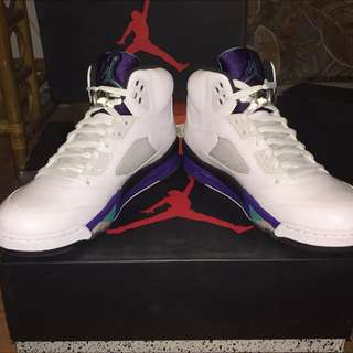 Dead Stock Size 11.5 Retro Jordan  Grape 5's White