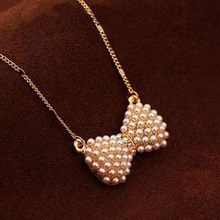 [CLEARANCE] Gold Pearl Ribbon Necklace