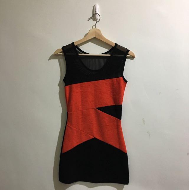 橘紅配黑繃帶造型性感洋裝