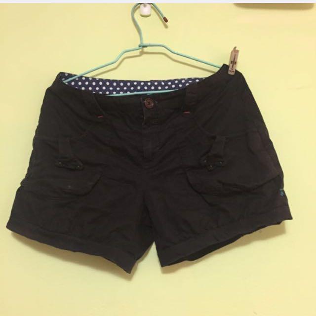 a la sha 黑短褲