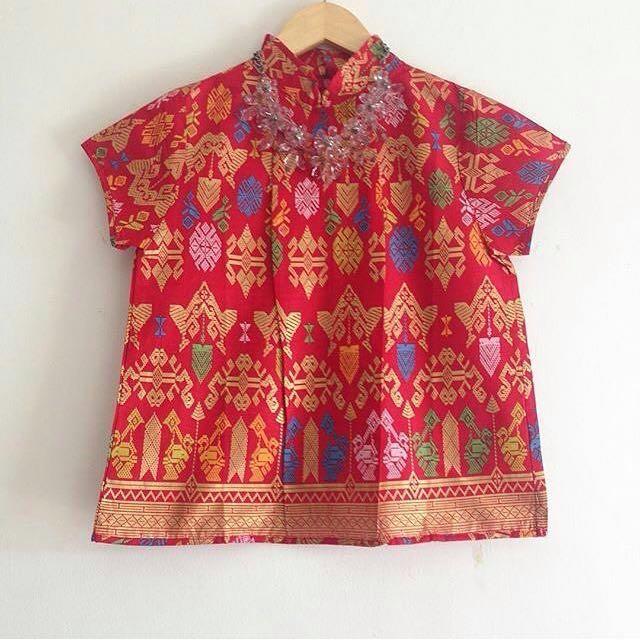 batik red top