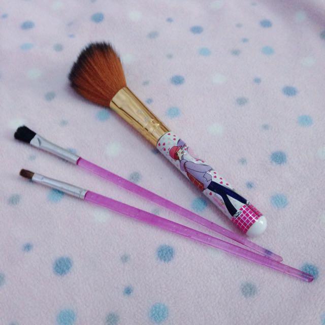 Brush Makeup 2