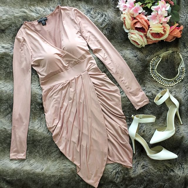 DUSK PINK LONG SLEEVE V NECK Revamped DRESS (M)