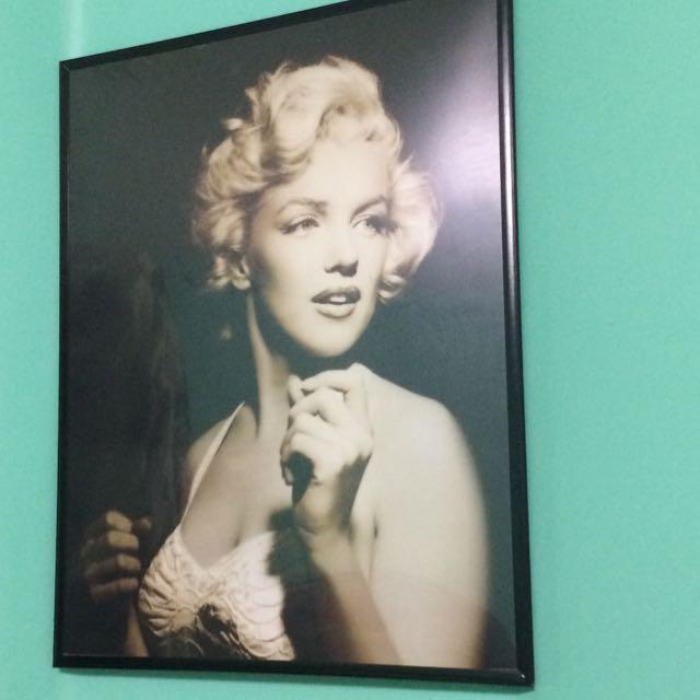Framed Marilyn Monroe Poster