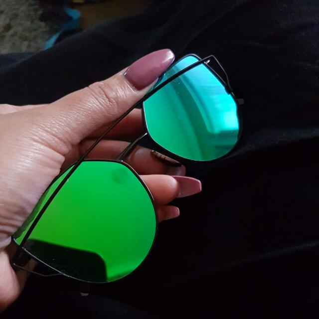 Green Mirrored Sunglasses