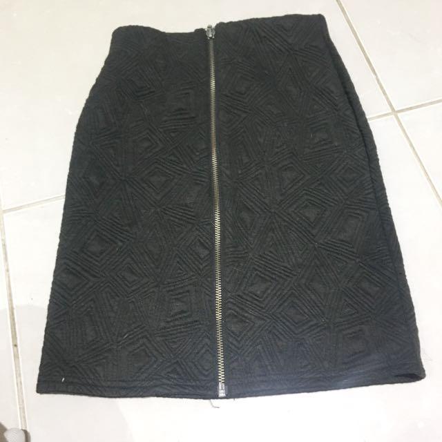Lulu & Rose Zip Front Skirt