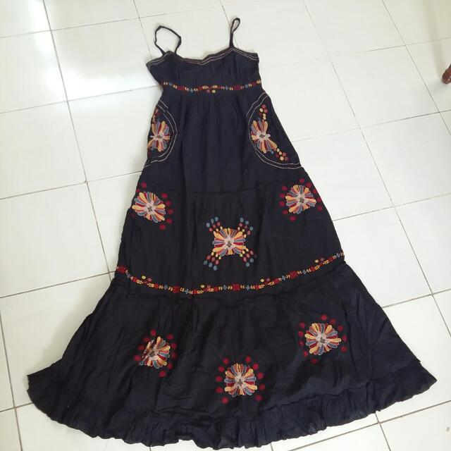 Maxi Dress Hitam