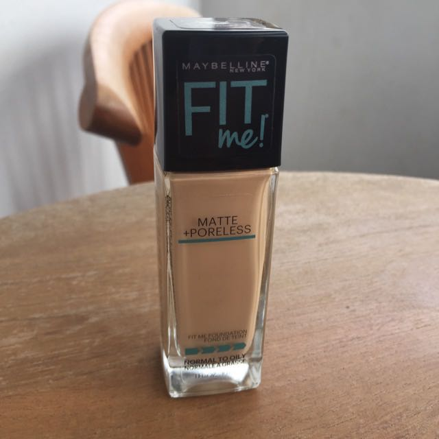 Maybelline Fit Me Foundation - 220 Natural Beige