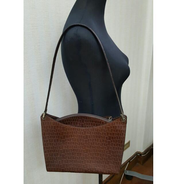 Original Bally Leather Shoulder Bag