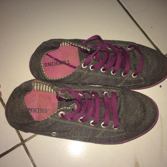 Sepatu Tomkins Ori