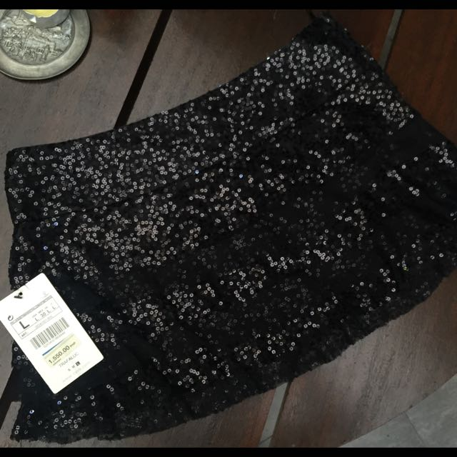 BRAND NEW Sequin Zara Skirt