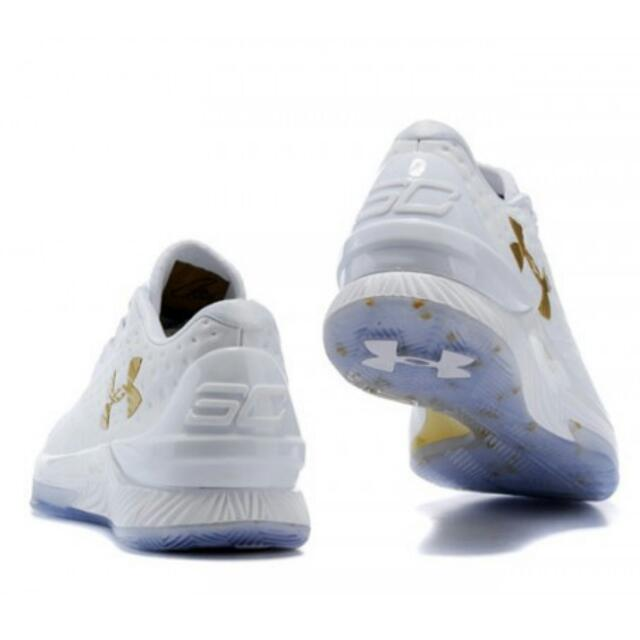443a517bec55 Stephen Curry 1 Low Family   Friend MVP Shoes