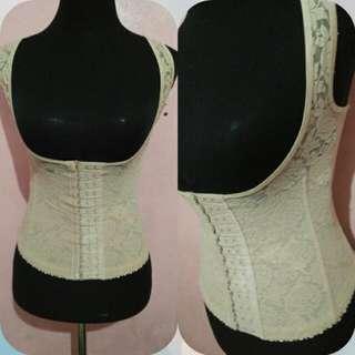 Slimming vest woth bones