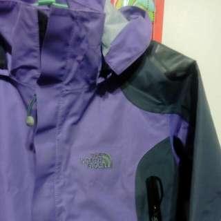 大降價。。THE NORTH 紫色外套。
